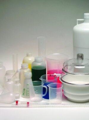 Лабораторная пластиковая посуда
