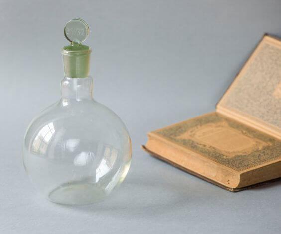 Плоскодонна скляна термостійка лабораторна колба